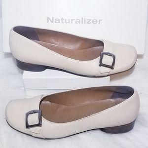 Naturalizer Cypher Porcelain Leat Shoes 6 Cream